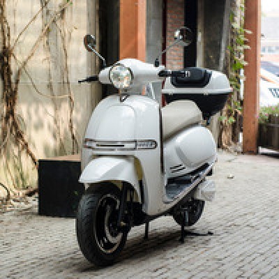 4000W-EEC-Vespa-electric-scooter-with-60V.jpg_200x200